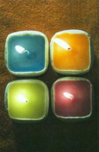 Крашеные песочные свечки