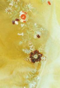 Прозрачные занавески с вышивкой