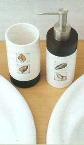 Комплект для ванной, украшенный салфетками