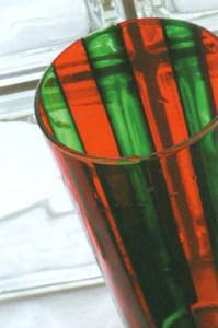 Ваза в полоску из цветного стекла